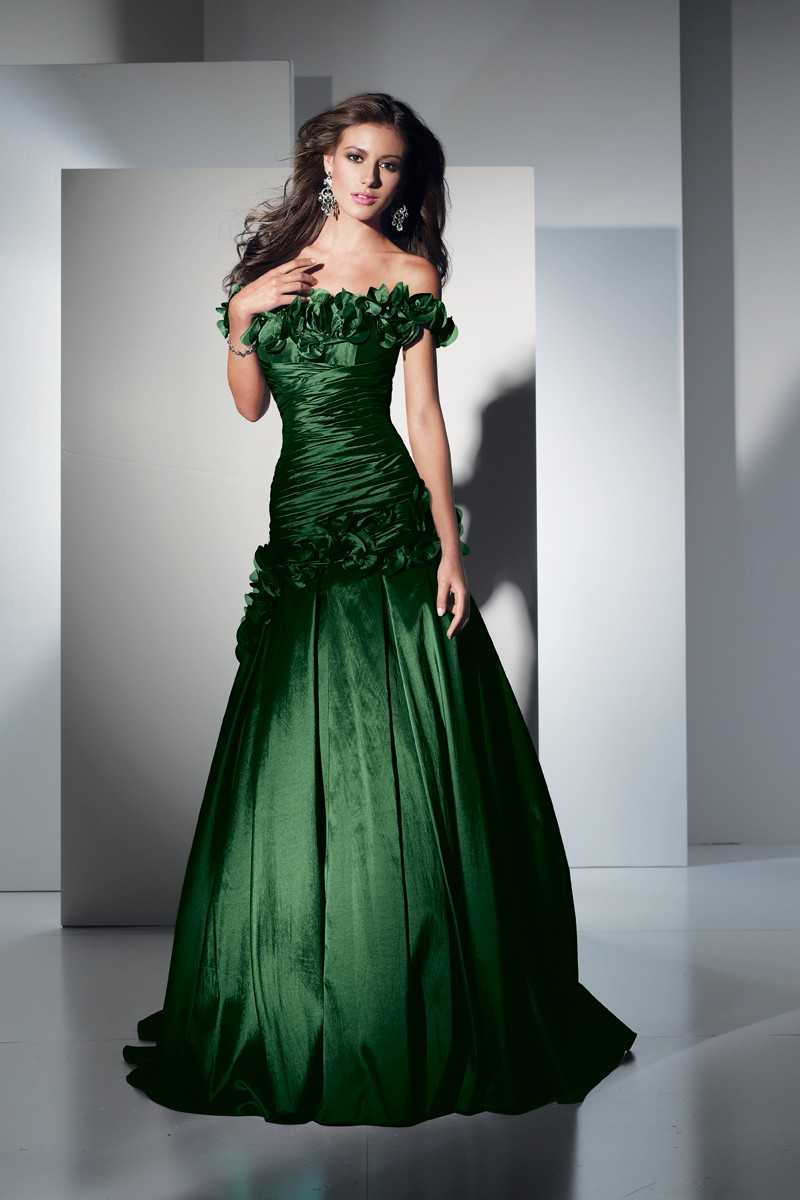 5436 Alyce Prom Dress Front