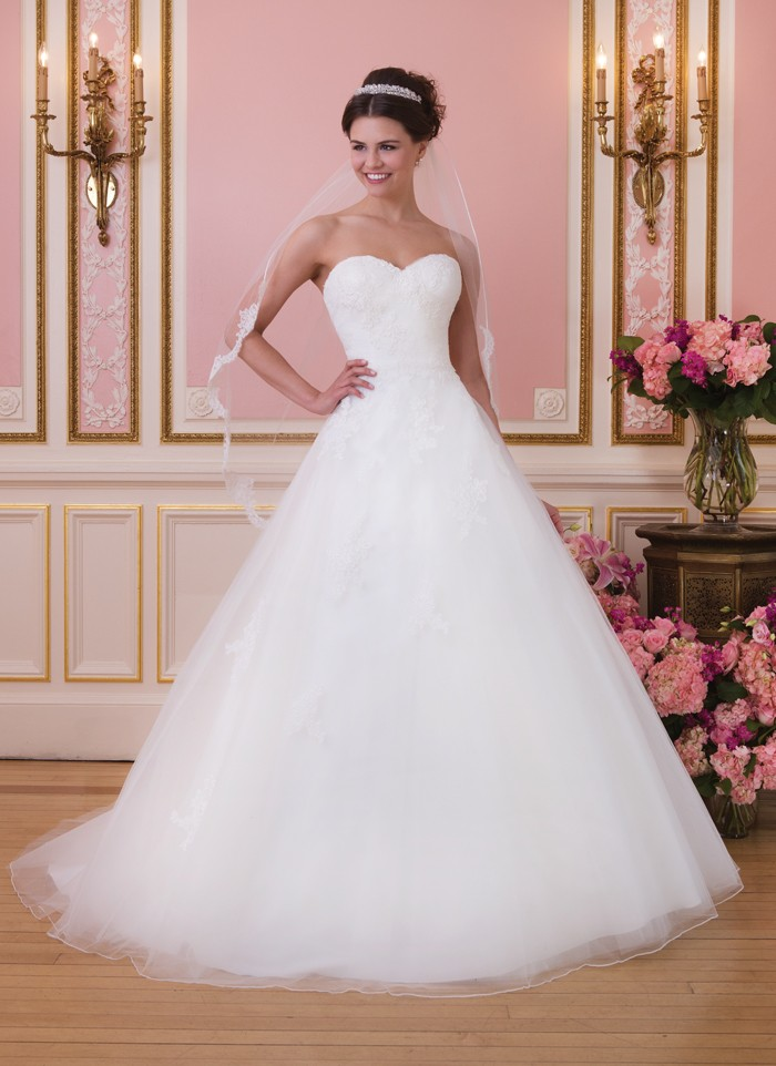 Sweetheart Wedding Dress - Style 6035